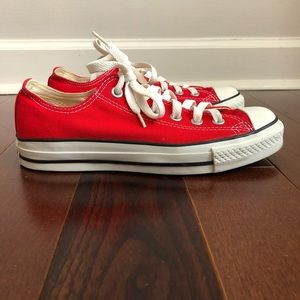CONVERSE CTS Red Lowtop Sneakers